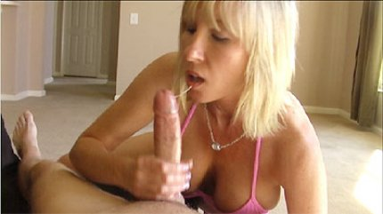 Horny Amateur Rubbing Out A Great Handjob