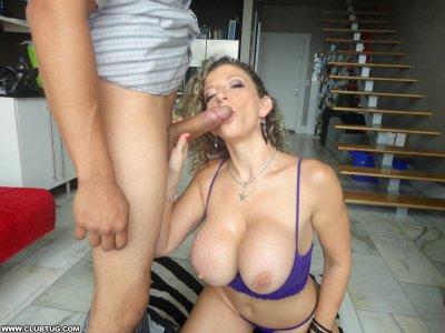 Опытная женщина делает минет Эротика и порно фото, порнуха,секс фотки - на