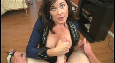 See this stunning brunette cougar armed with sexy body with bouncy pair of big juicy jug grace our screen in these hot updates. She's Bella Roxxx, and this hot mature cougar in her 40s has this amazing look that is just damn sexy for her age. She do...